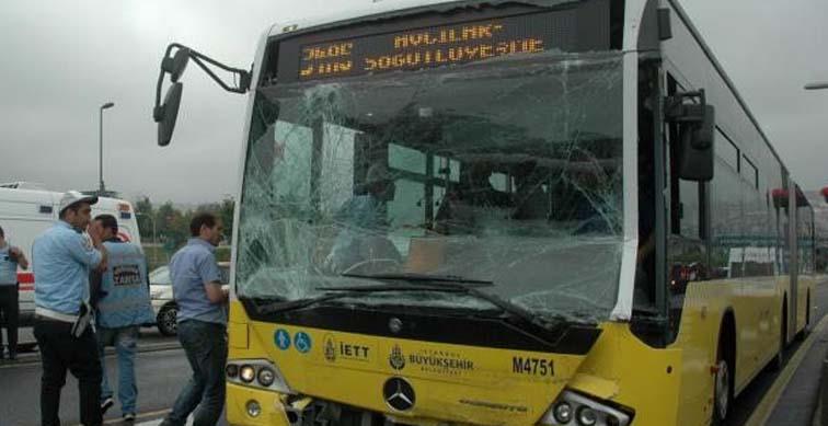 Yine metrobüs yine kaza