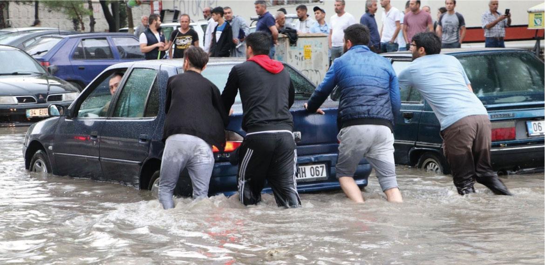 AKP gitti, 'mirası' kaldı: Ankara yağışla göle döndü, 3 kişi yaşamını yitirdi