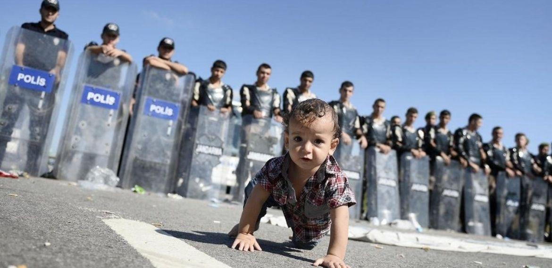 Suriyeli mültecilerin hakları var, dayanışmayı büyütelim! – Burcu Yanar