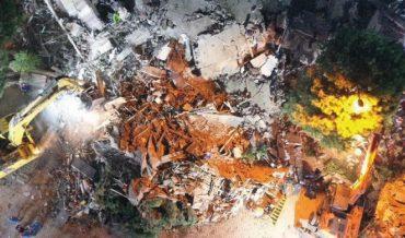 Politeknik İzmir'deki deprem bölgelerine siperlik üretiyor