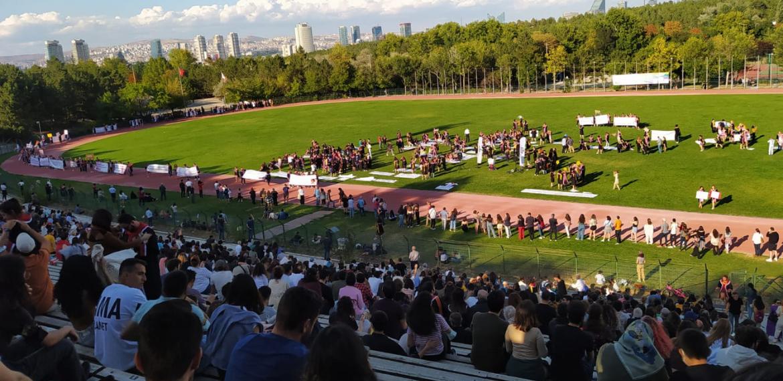 ODTÜ'lülerden kayyumsuz mezuniyet töreni